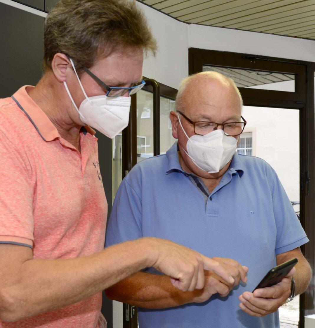 Mit dem digitalen Impfpass im Smartphone kann der Corona-Impfschutz nachgewiesen werden. Foto: Stengl