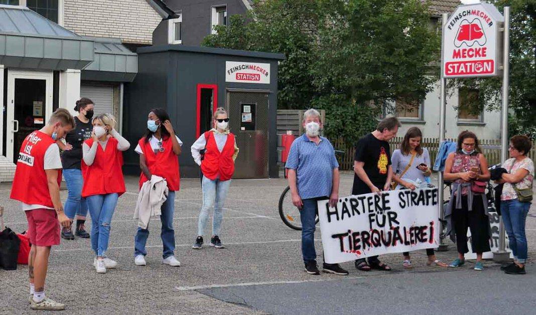 Der Ortsverband der Partei Die Linke hat eine weitere Protestaktion vor der Fleischerei Mecke angekündigt. Foto: Gaby Brüggemann