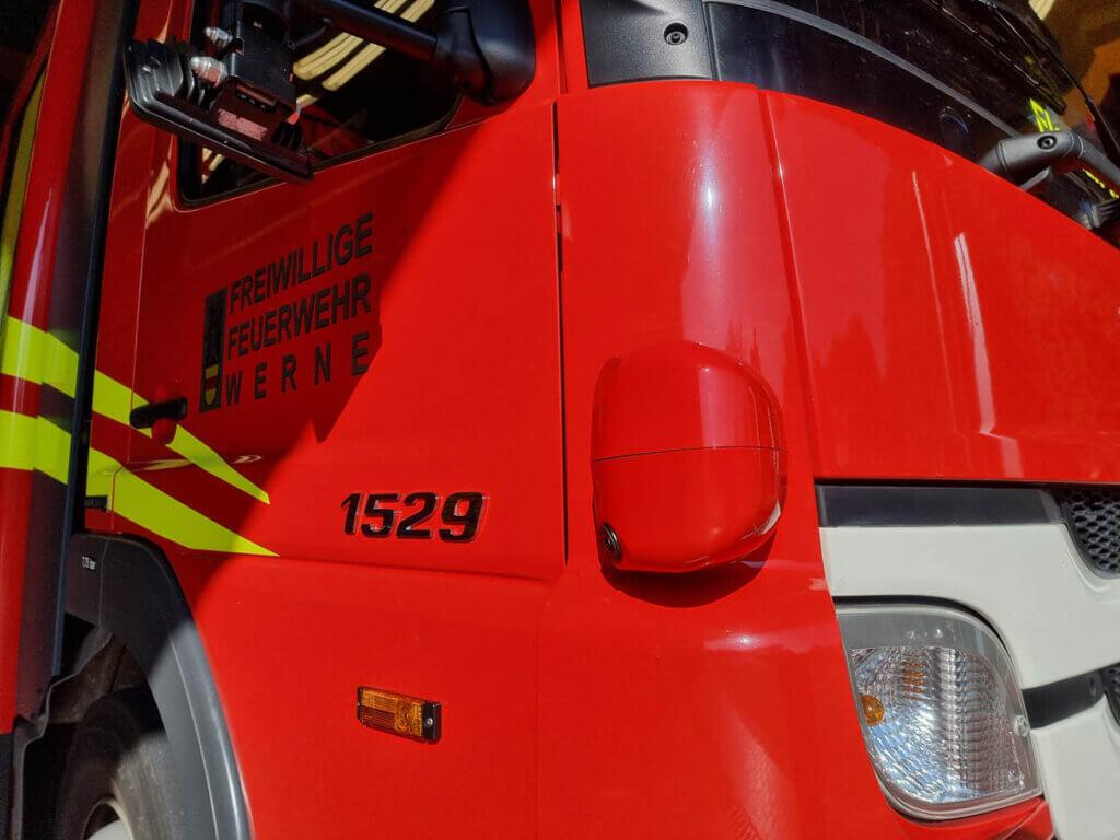 ine an der rechten Fahrzeugseite verbaute Radareinheit, die zuverlässig schwächere Verkehrsteilnehmer detektiert. Foto: Feuerwehr Werne