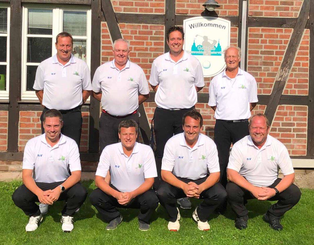 Die Herrenmannschaft des Golfclubs Wasserschloss Westerwinkel hat sich in der Deutschen Golf Liga (DGL) den Aufstieg in die Landesliga gesichert. Foto: Privat