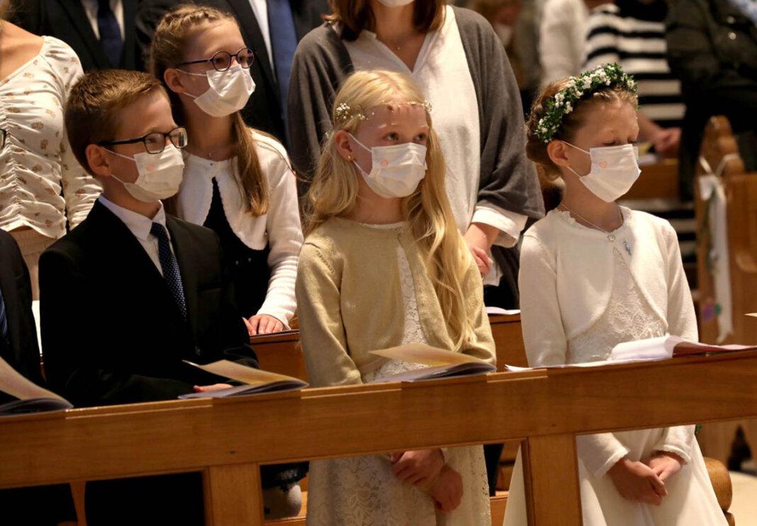 20 Kinder erhielten am vergangenen Sonntag in der Pfarrkirche St. Christophorus die Erstkommunion. Foto: Volkmer