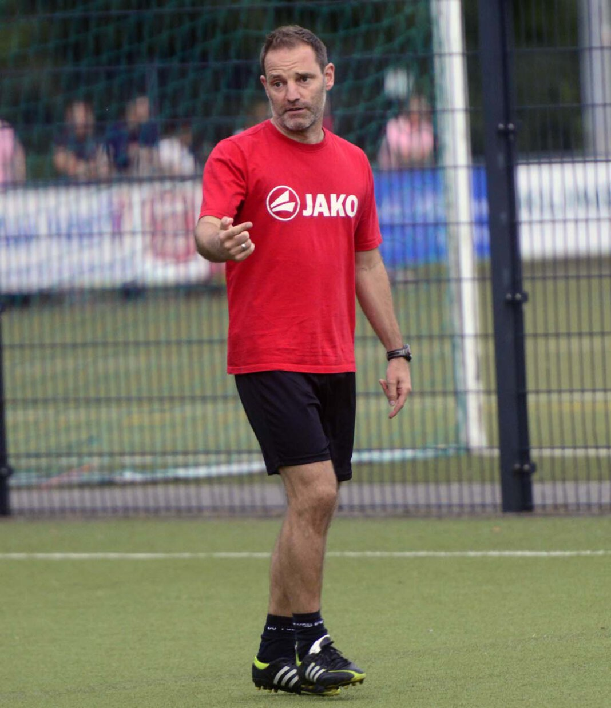 WSC-Trainer Lars Müller (45) ist mit dem Verlauf der Saisonvorbereitung nicht zufrieden, vertraut aber seinem Team, zum Start topfit zu sein. Foto: Jörg Stengl