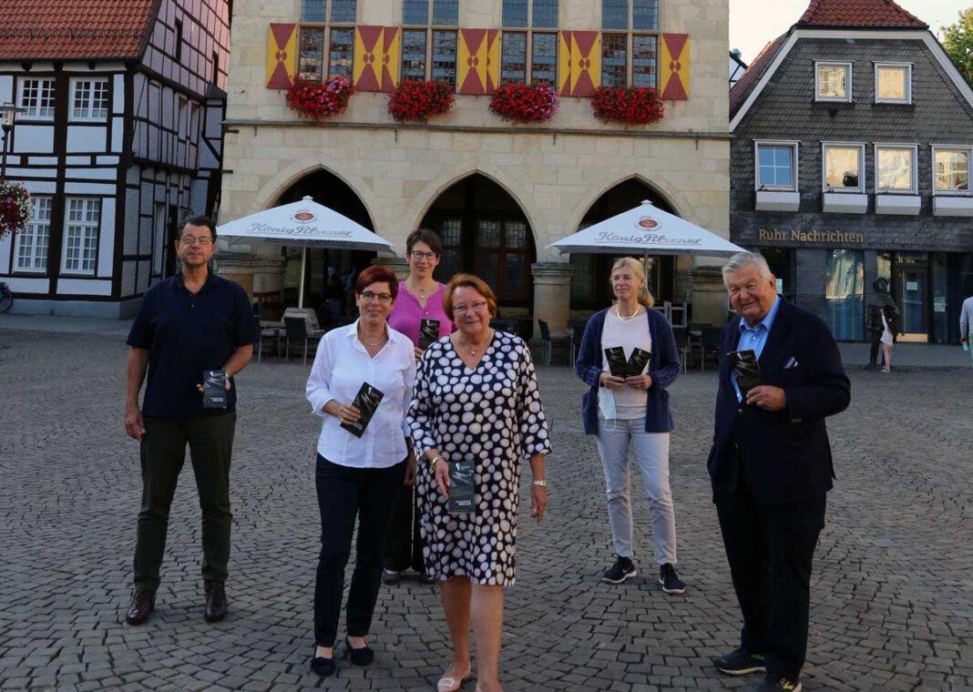 Pohlmann, Anne Höttcke, Dr. Susanne Vedder-Laurenz und Dr. Heike Rüping. Foto: Privat Frau Kornelia Reckers, Herr Hubertus Steiner