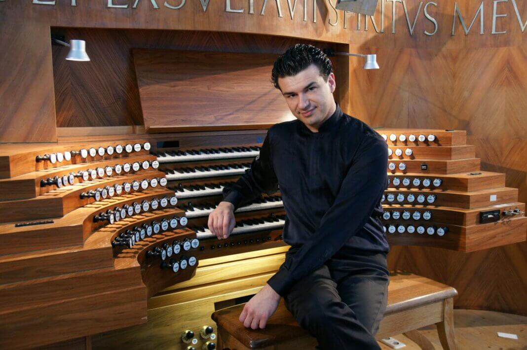 Der italienische Organist Paolo Oreni wird am 5. September ein abwechslungsreiches und virtuoses Programm in St. Christophorus darbieten. Foto: Privat