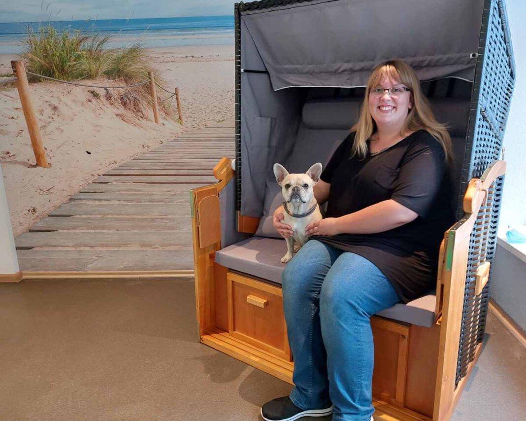 Wiebke Holtmann freut sich auf die Neueröffnung ihrer Praxis für Tierphysiotherapie am kommenden Samstag (14. August). Foto: Wagner