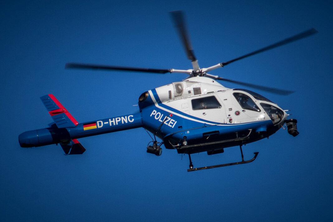 Die Polizei sucht mit einem Hubschrauber nach einem 60-Jährigen in Werne. Symbolfoto: pixabay
