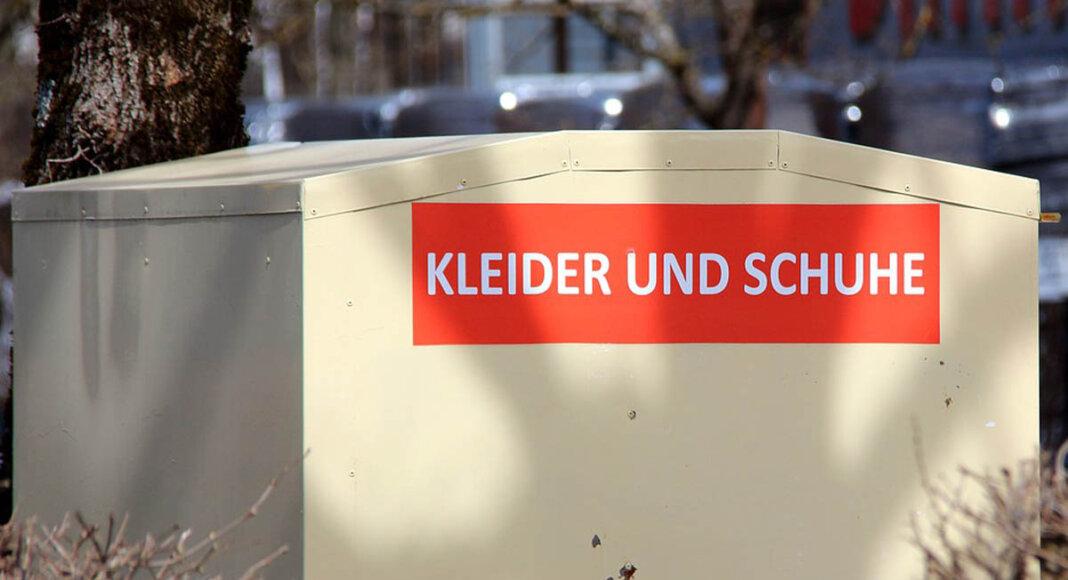 Nicht in Containern, sondern bei einer Straßensammlung nimmt die KAB Alt-Texttilien entgegen. Symbolfoto: pixabay