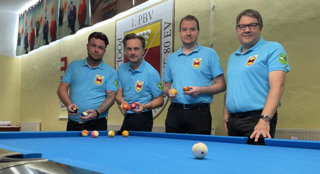 Die erste Mannschaft mit (von links) Benny Scholz, Andreas Wegener, Bastian Kramer und Michael Döpker holte auswärts ein Unentschieden Foto: Privat