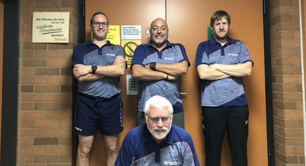Die 2. Mannschaft des TTC Werne mit (von links) Guido Lorenz, Andreas Düger, Dennis Lindgens sowie (unten) Axel Brocke gewann das Derby beim Werner SC II. Foto: TTC